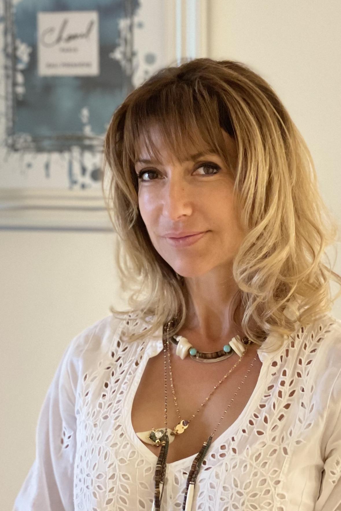 Myriam Gabillon-Battandier est la créatrice des centres DERMAPURE axés sur les toutes nouvelles technologies anti-âge (rajeunissement, amélioration de la qualité de la peau, amincissement…)